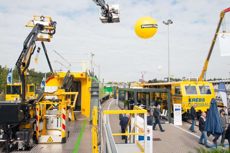 The yellow balloon guides the way to our machines on exhibition