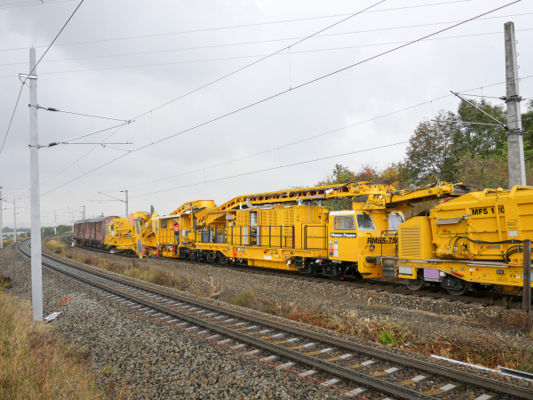 The RM 85-750 during operation on the line between Oberlaa and the central marshalling yard in Wien-Kledering in October 2016