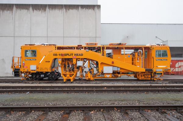 Plasser 08-16 SH tamping machine