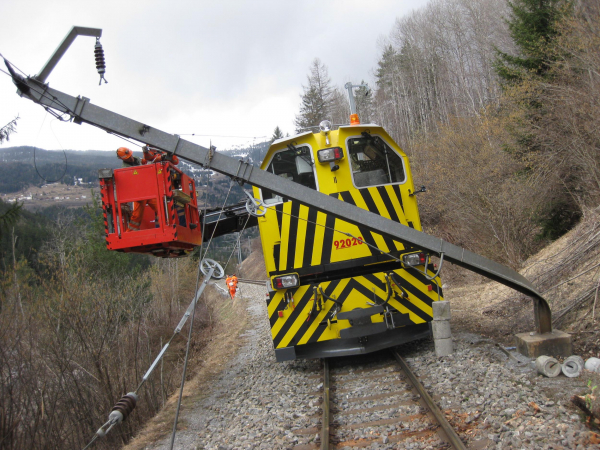 On the single-track lines, the immediate repair of malfunctions has top priority.