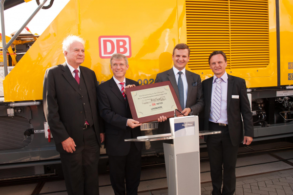 Handover of the new TIF tunnel inspection vehicle to DB Netz AG - both customers and suppliers were delighted