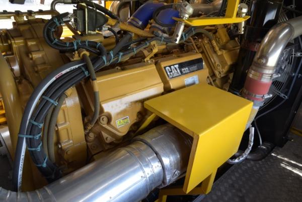 Das neue Hybrid-Antriebskonzept E³ treibt die Maschine entweder durch einen Diesel- (hier im Bild) oder durch einen Elektromotor an.
