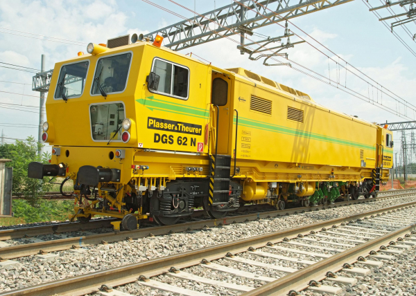 Homogenisation of the ballast bed ensures quality and sustainability.