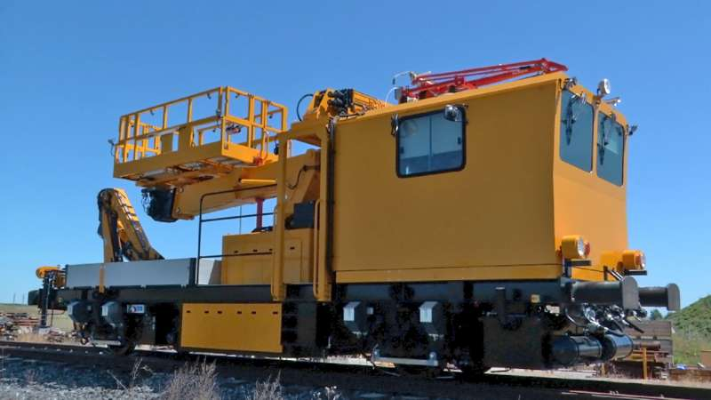 Overhead line maintenance with elevating work platform with extended working range