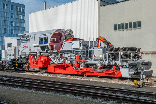 Infraservice Group Scandinavian AB received two new machines. The USP 2000 SWS is one of them.