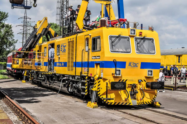 "Many visitors inspected the new machine on the ""Czech Railway Days""."