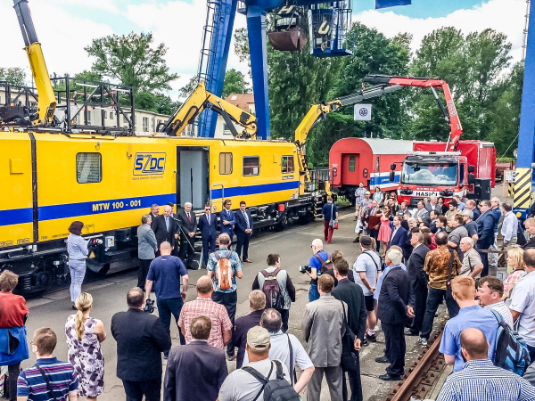 "The official handover took place on the occasion of the ""Czech Railway Days"", the most important trade fair in the Czech railway construction industry."