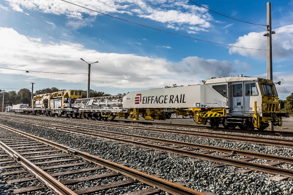 The SMD 80 track renewal and installation machine was used to lay rails and sleepers. © Gaël Arnaud/Eiffage