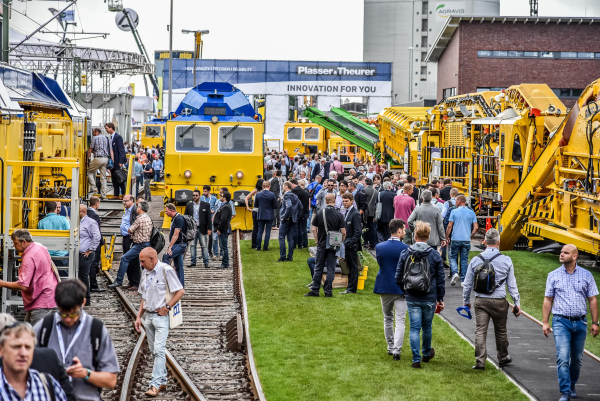 Plasser & Theurer shapes the technological progress in track technology. This made the company stand out at iaf 2017.