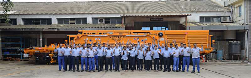 The team of Plasser India is pleased with the completion of the first SVM 1000 I track laying train, which is part of a major contract for the Indian GMR Group.