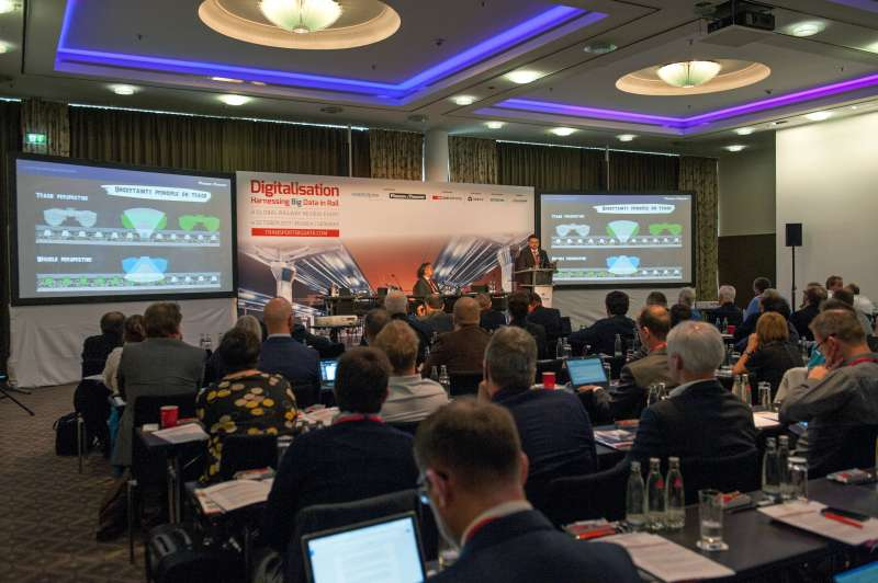 Florian Auer (Plasser & Theurer) and Bernhard Maier (P&T Connected) provided insight into condition monitoring and big data in the context of our track maintenance machines.
