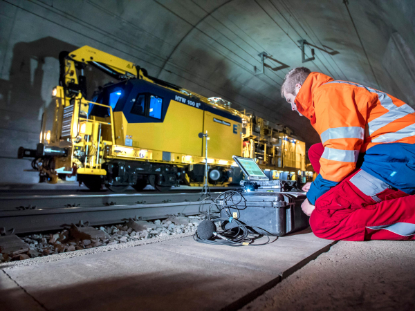 The perception of track maintenance works changes considerably: -20 dBA.