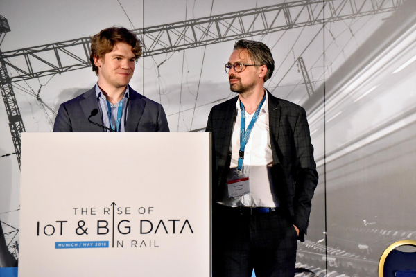 Krzysztof Wilczek (left) and Bernhard Maier presented Plasser & Theurer's digital strategies for track construction at the Munich conference.