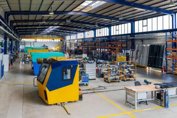 Im neuen Kabinenbau wurden drei unabhängig voneinander produzierende Werke auf einem neuen Standort zusammengefasst.