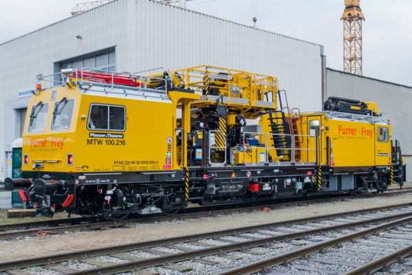 The MTW 100.216 from Plasser & Theurer for the Swiss company Furrer+Frey AG (Bern).