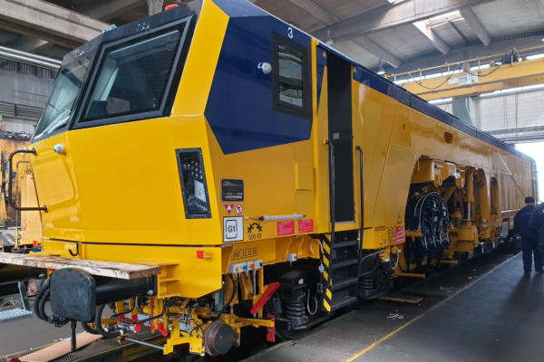 Maintenance of the Unimat 08-32/4S is carried out in the ZGOP workshop in Novi Sad with its first-class facilities.