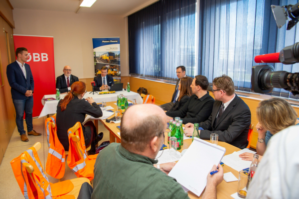 During a press conference, ÖBB and Plasser & Theurer announced yet another chapter of their partnership in innovation.