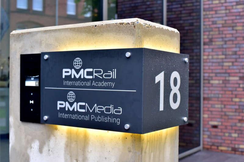 Werkstättenstraße 18 en Leverkusen, distrito de Opladen: esta es la dirección postal compartida por PMC Rail International Academy y PMC Media International Publishing sobre terrenos con mucha historia.