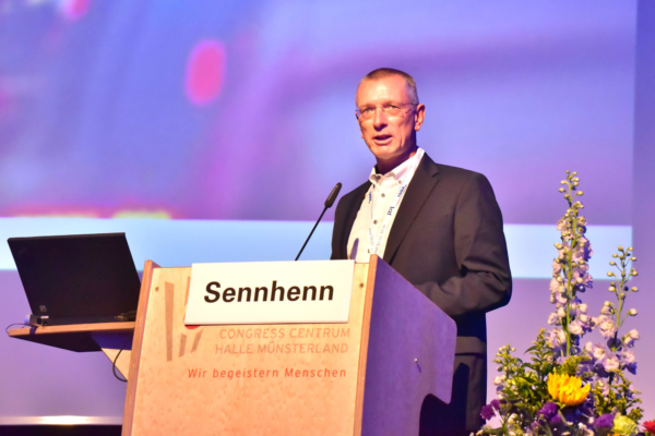 "Frank Sennhenn, CEO of DB Netz AG, introduced the infrastructure operator's ""vision and mission"" for 2025 at the iaf Congress 2019."