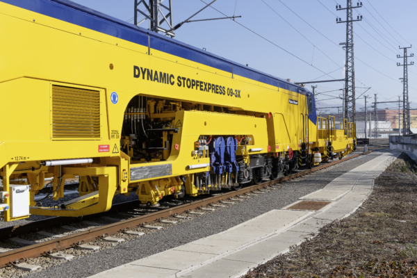 GCF also took delivery of another new-design machine: in March 2019 an 09-3X Dynamic Tamping Express went to Italy for plain line maintenance.