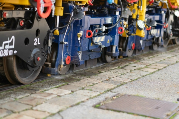 Rail grinding on the contact surface between wheel and rail reduces noise