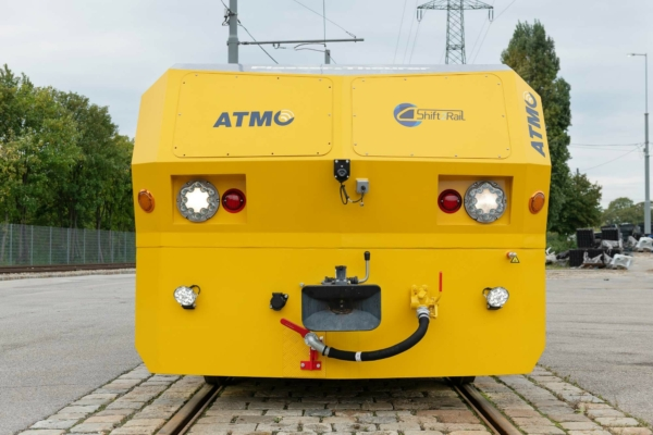 The ATMO rail grinding trailer is the result of a unique collaboration between industry partners, university experts, and infrastructure operators