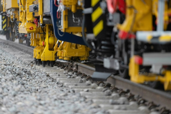 Proven performance: in one hour, the Tamping Express 09-3X tamps the sleepers on more than 2 km of track