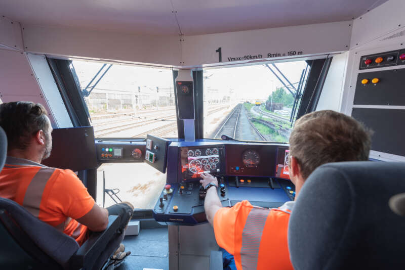Reaching the worksite fast – self-propelled speed of up to 90 km/h 